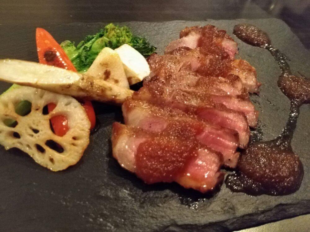 ヨーロッパ食堂waccaのスペイン産イベリコ豚のグリル