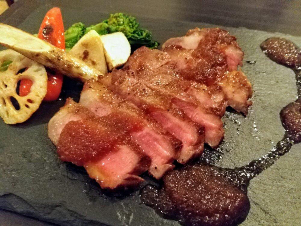 長町のヨーロッパ食堂waccaのお肉