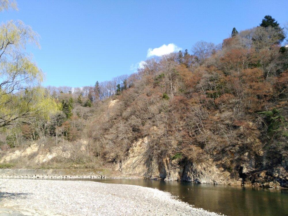 茂庭荘の川原