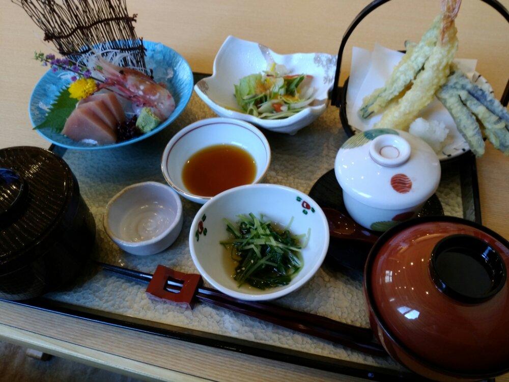食楽粋蓮の天ぷら刺身御膳