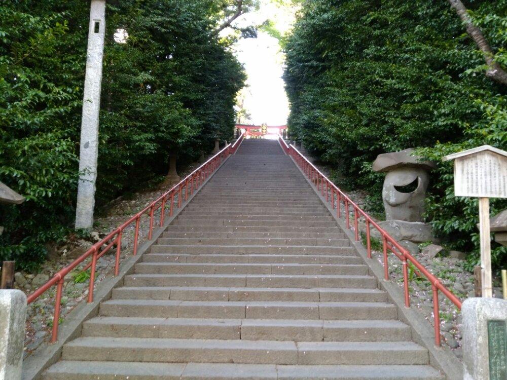 大崎八幡宮の大石段