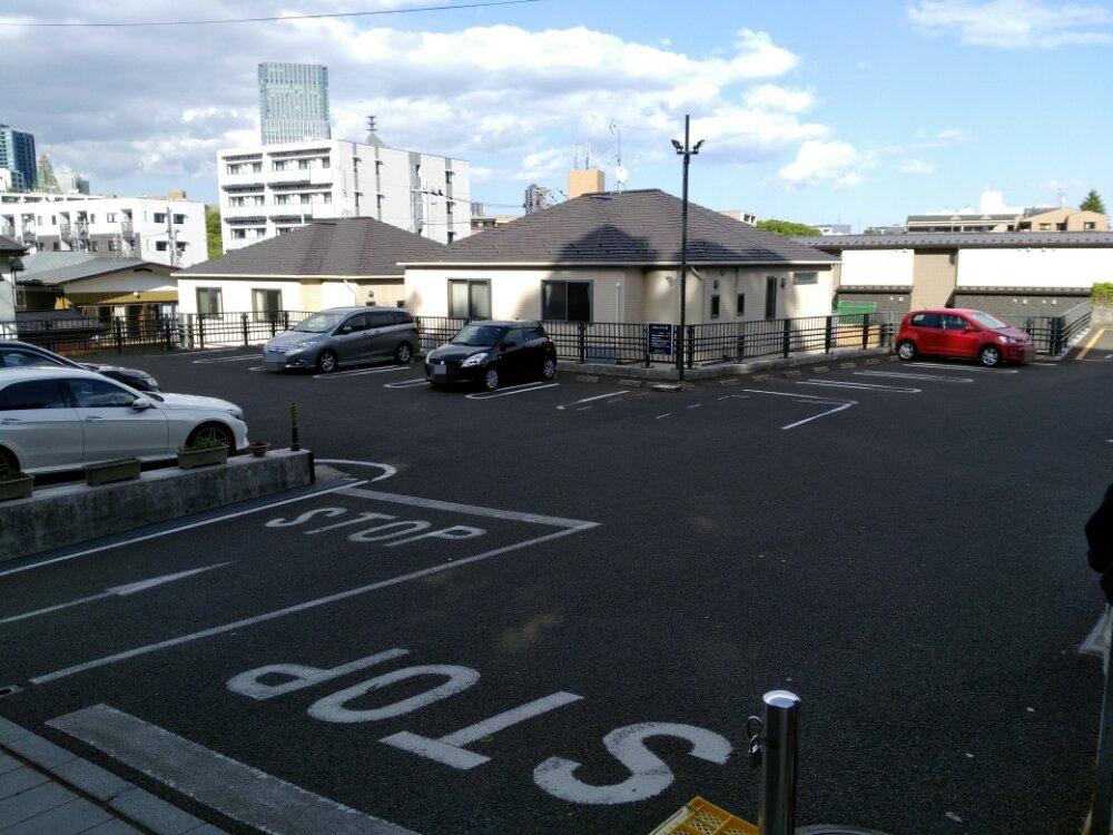 瑞鳳殿の駐車場