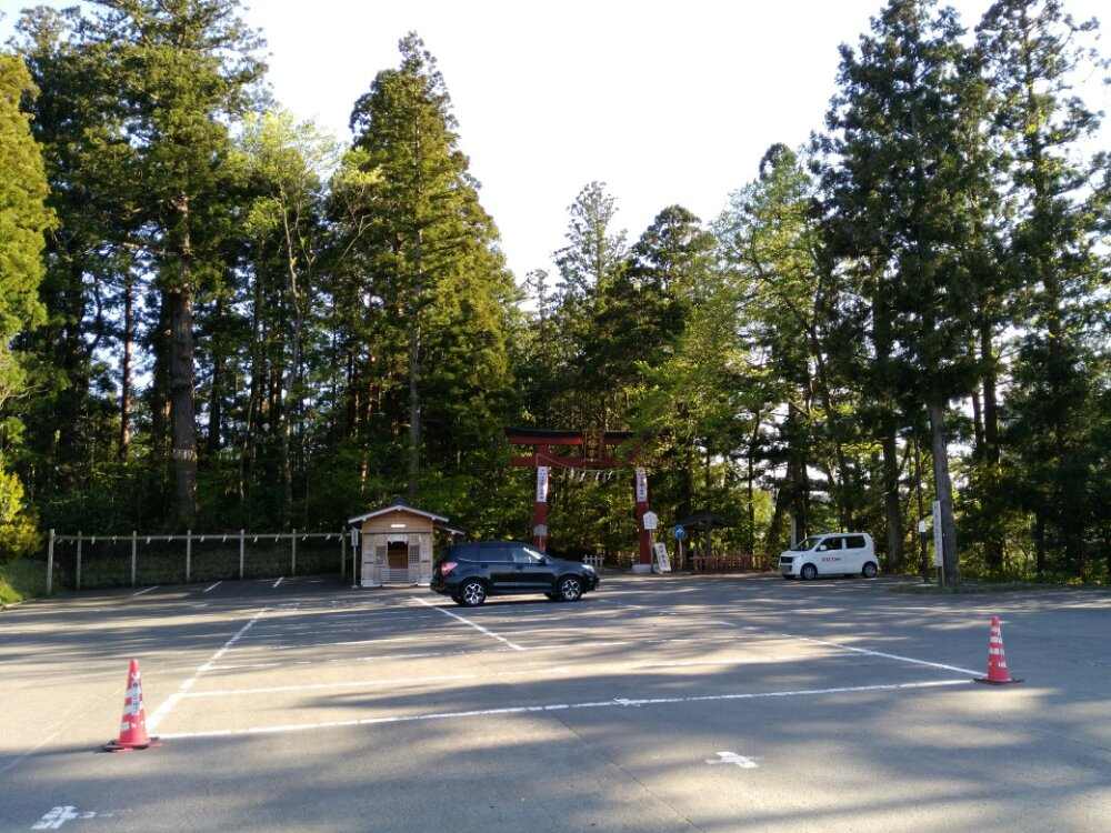 大崎八幡宮の駐車場