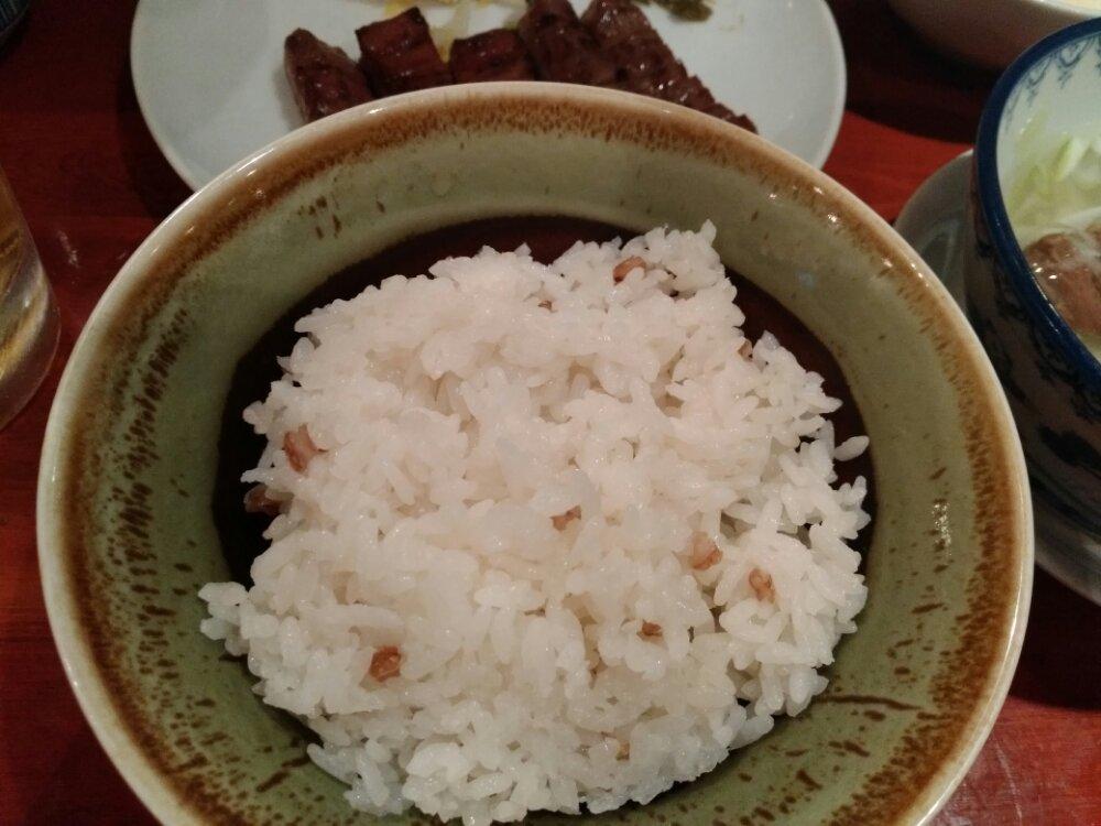 焙煎した麦飯