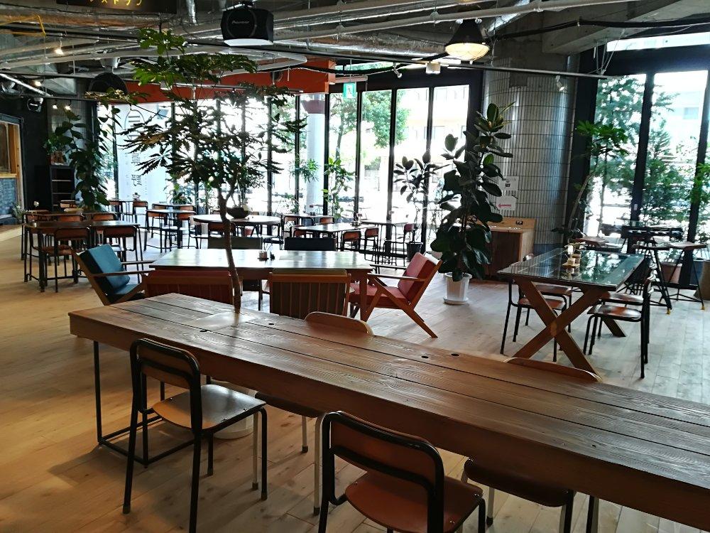 眞野屋のカフェスペース