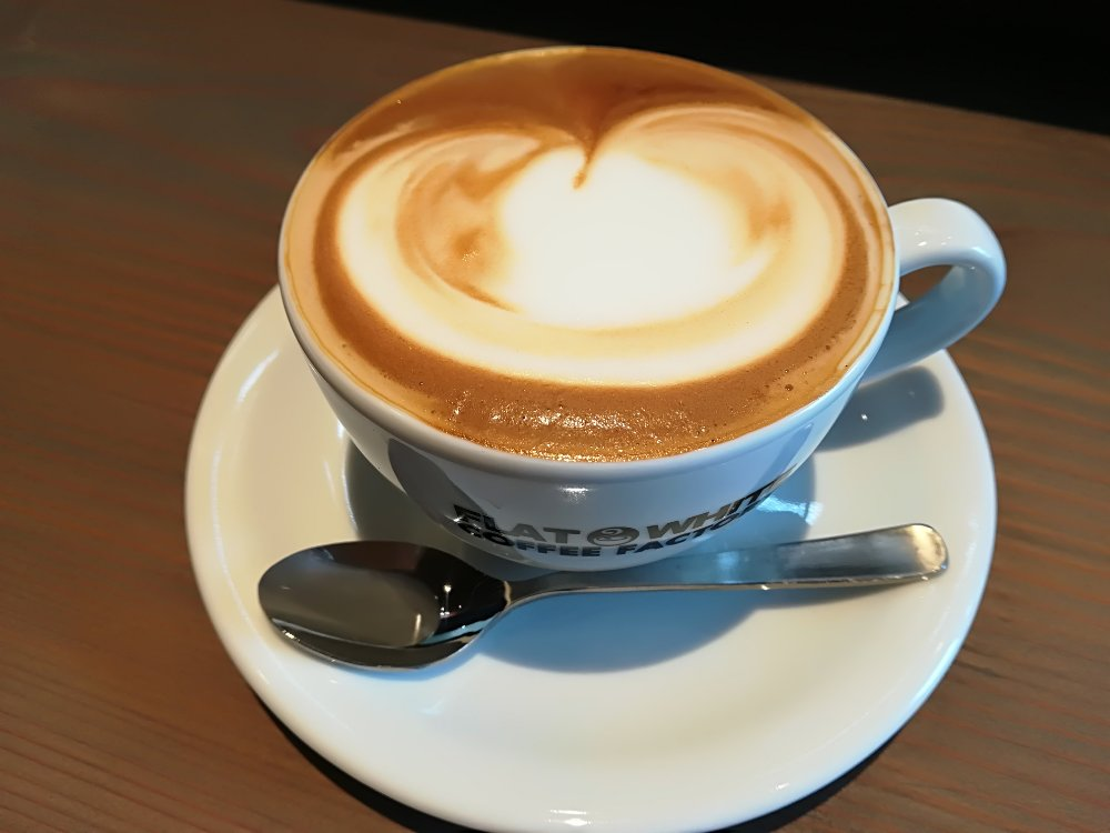 フラットホワイトコーヒー