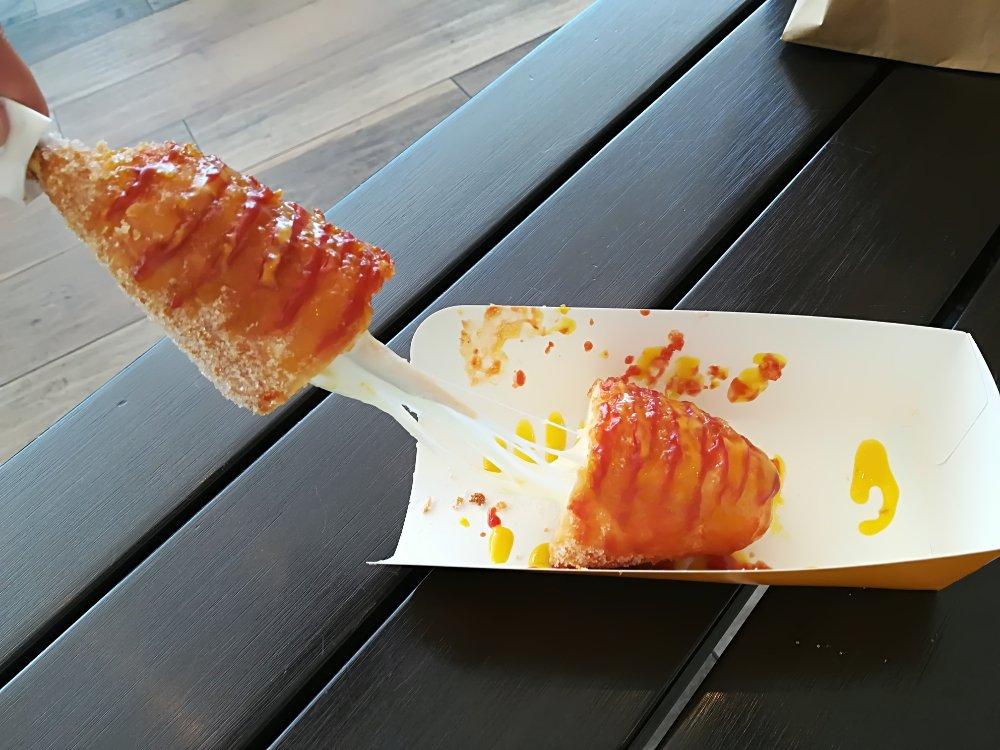 カンナムキンパの伸びるチーズドッグ