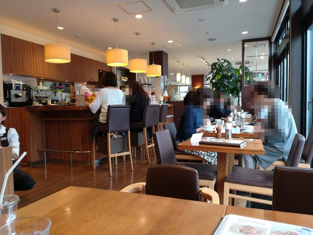 いたがき本店のフルーツカフェスペース