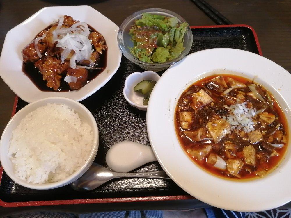 無問題 陳麻婆豆腐と黒酢酢豚のセット