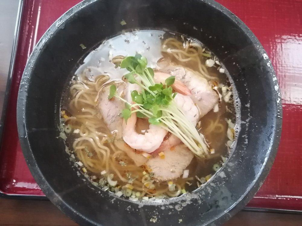 天然だしラーメン潮の音のスパイス酸辣麺