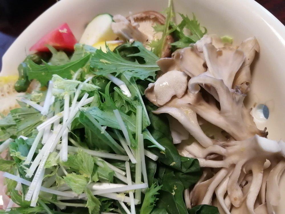 マイタケなどの蒸し野菜