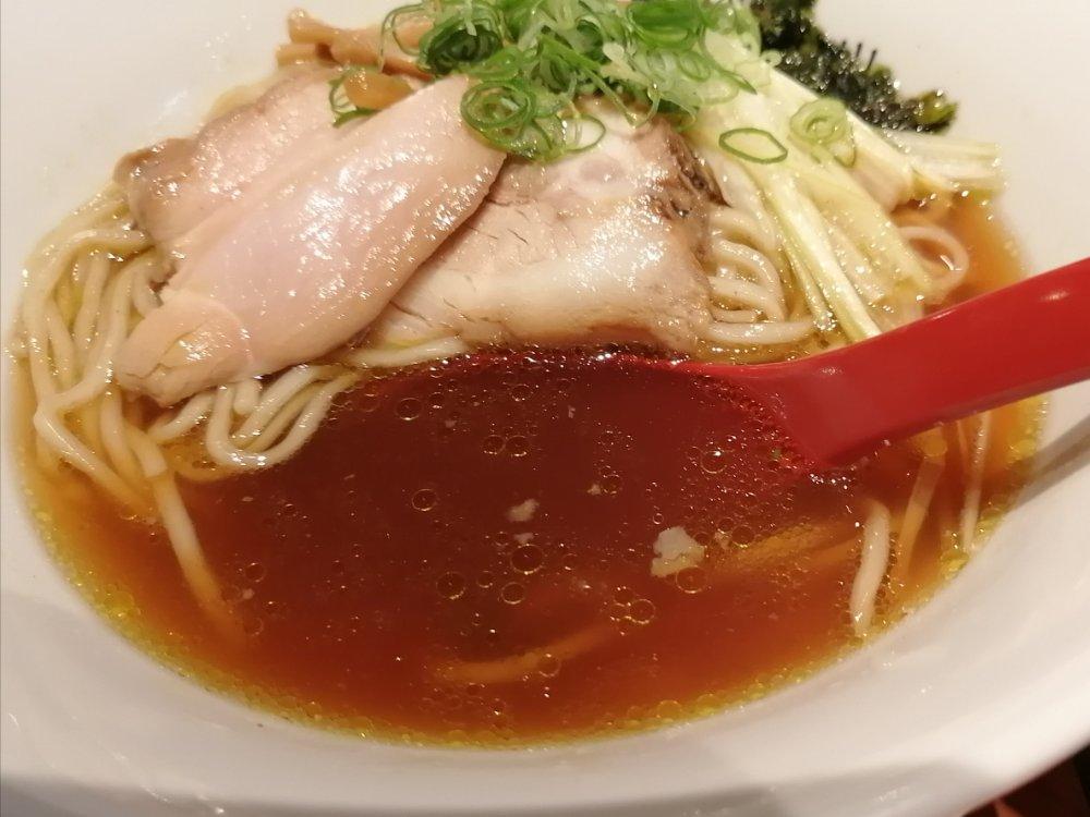 醤油らぁ麺のスープ