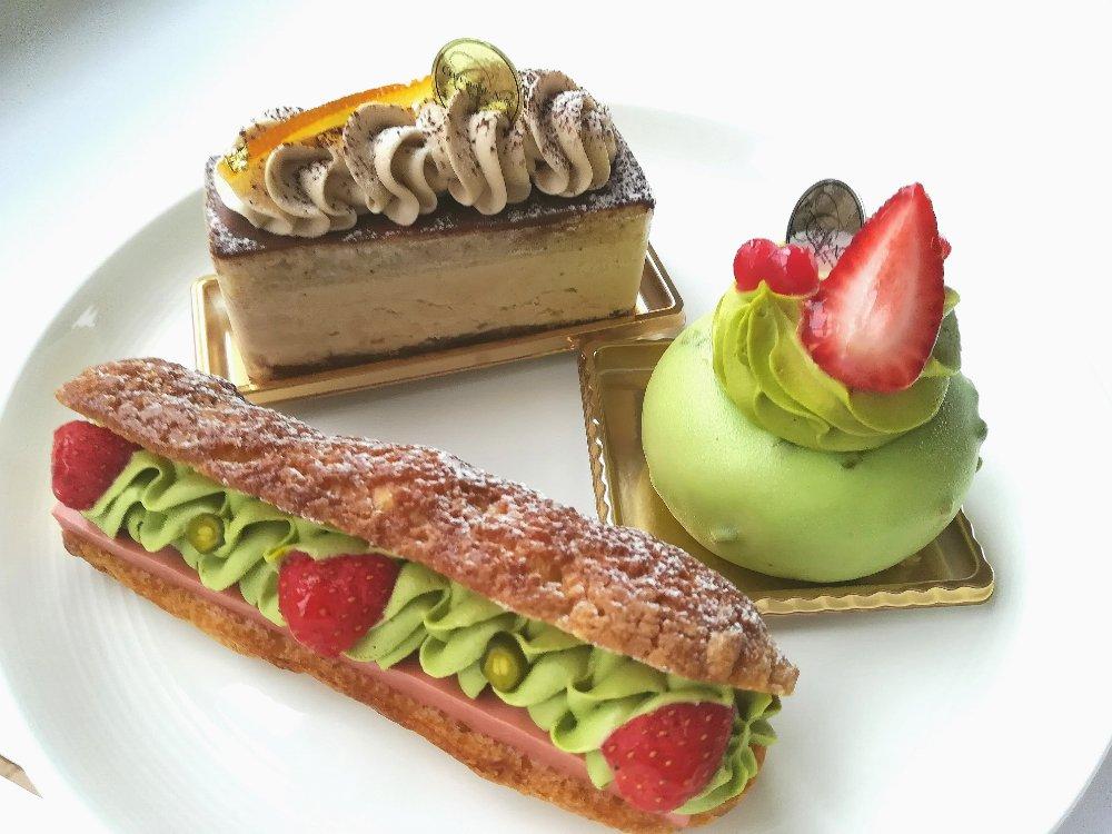 セルノードゥノワのケーキ