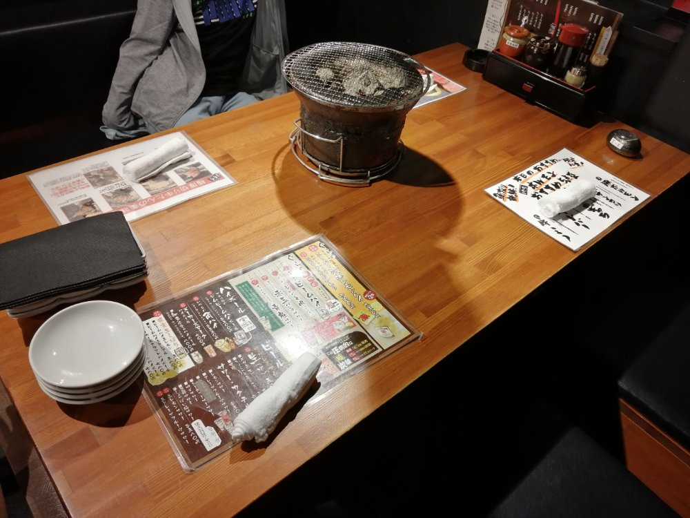 テーブルと七輪