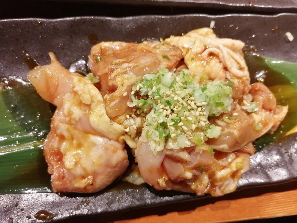 焼肉ぐら いわい鶏モモ肉