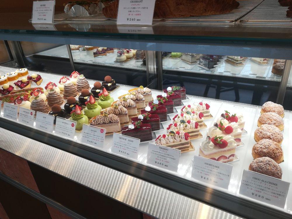 セルノー・ドゥ・ノアのケーキ