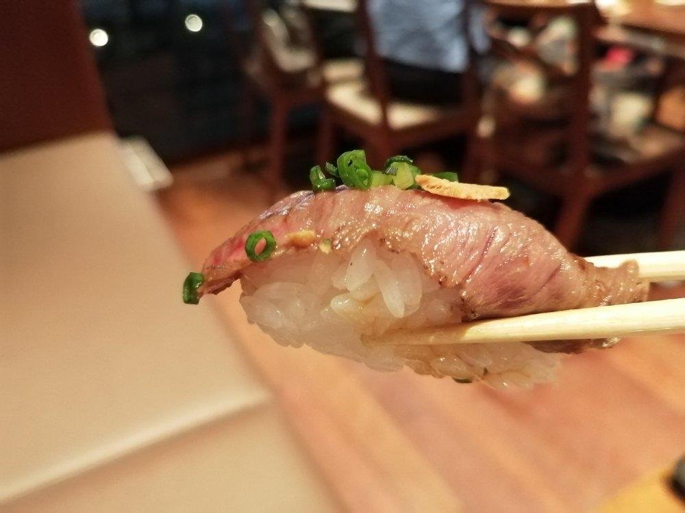 仙台牛のあぶり寿司