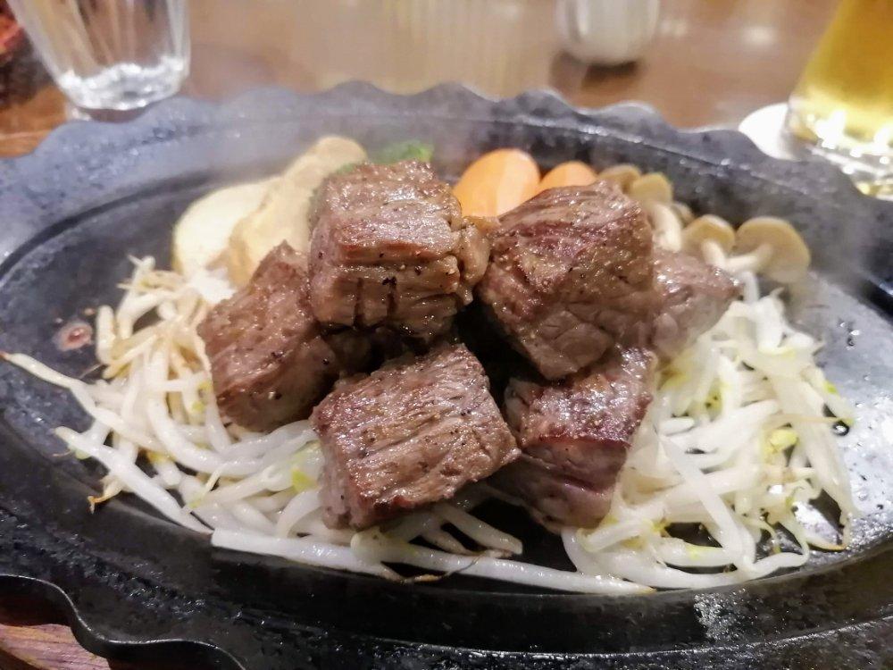 すてーきはうす伊勢屋の仙台牛サイコロステーキ
