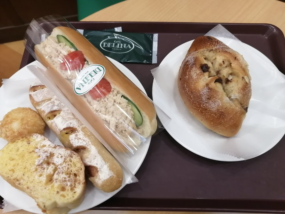ベーカリーカフェ デリーナ仙台駅店のパン