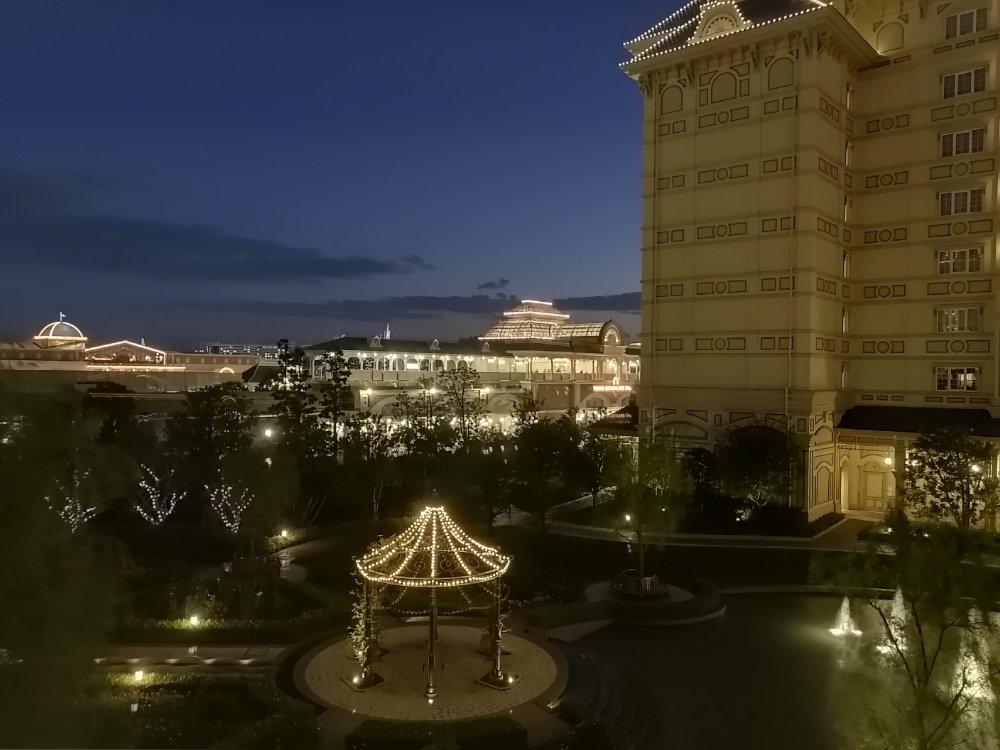 東京ディズニーランドホテルからの景色(夜)