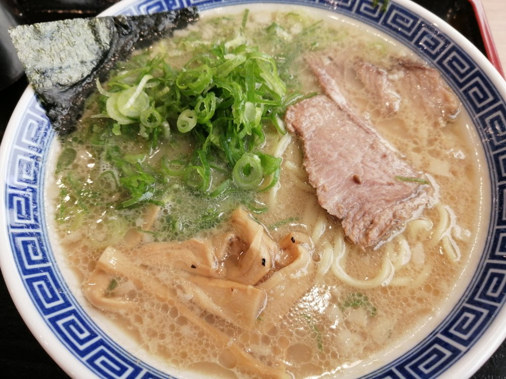 ラーメン大志軒の豚骨醤油麺