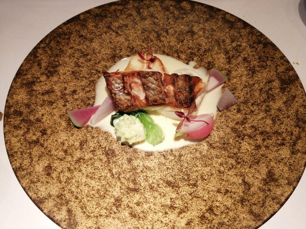 レストランミウラの真鯛と帆立のポワレ