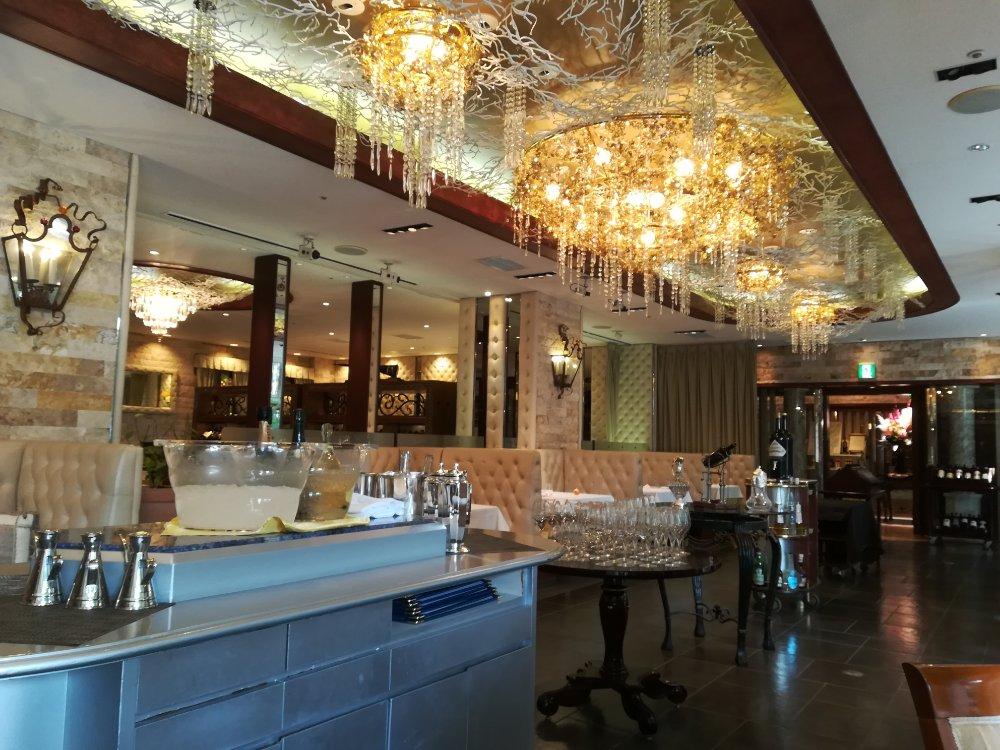 勝山館レストランの雰囲気