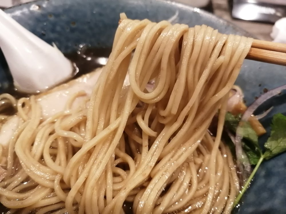 石臼挽粉の自家製麺