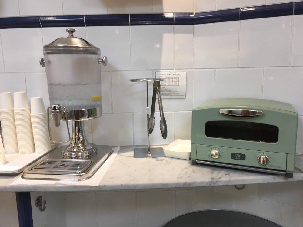 トースターとウォーターサーバー