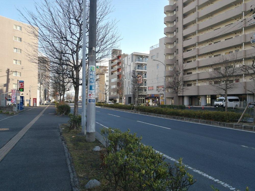 店舗前の道路