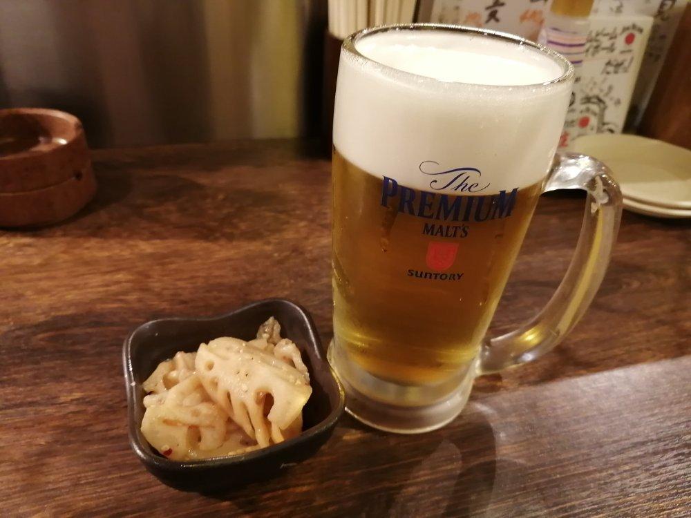 焼きとん大国のお通しと生ビール