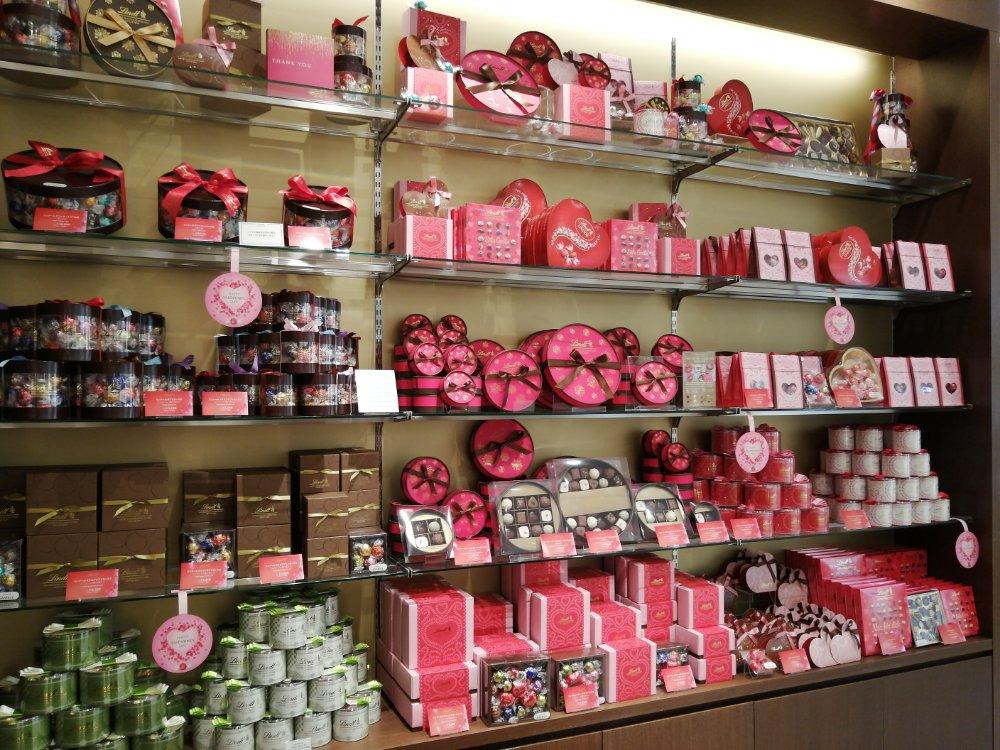 リンツのバレンタインコーナー