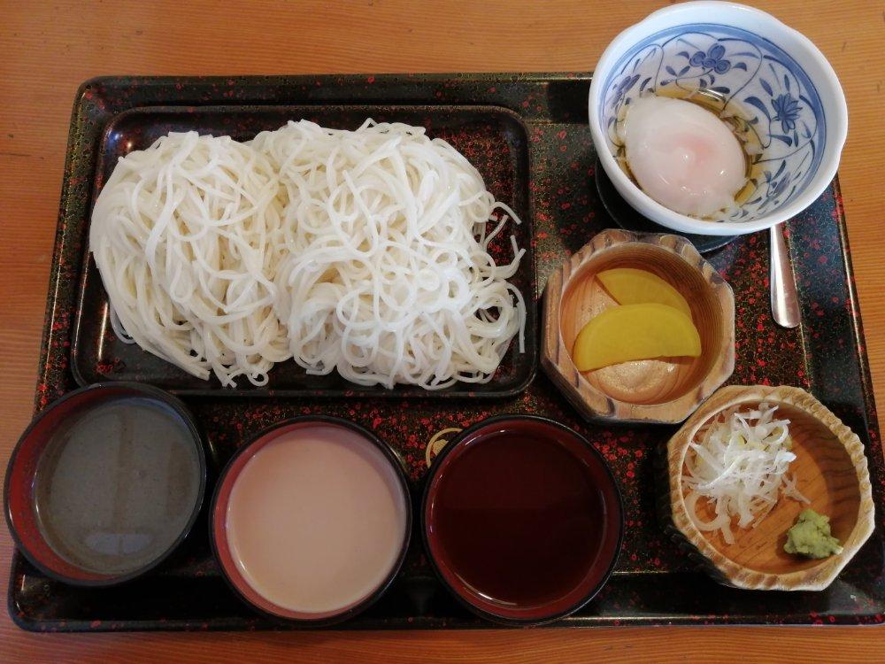 味三種と天ぷらセット
