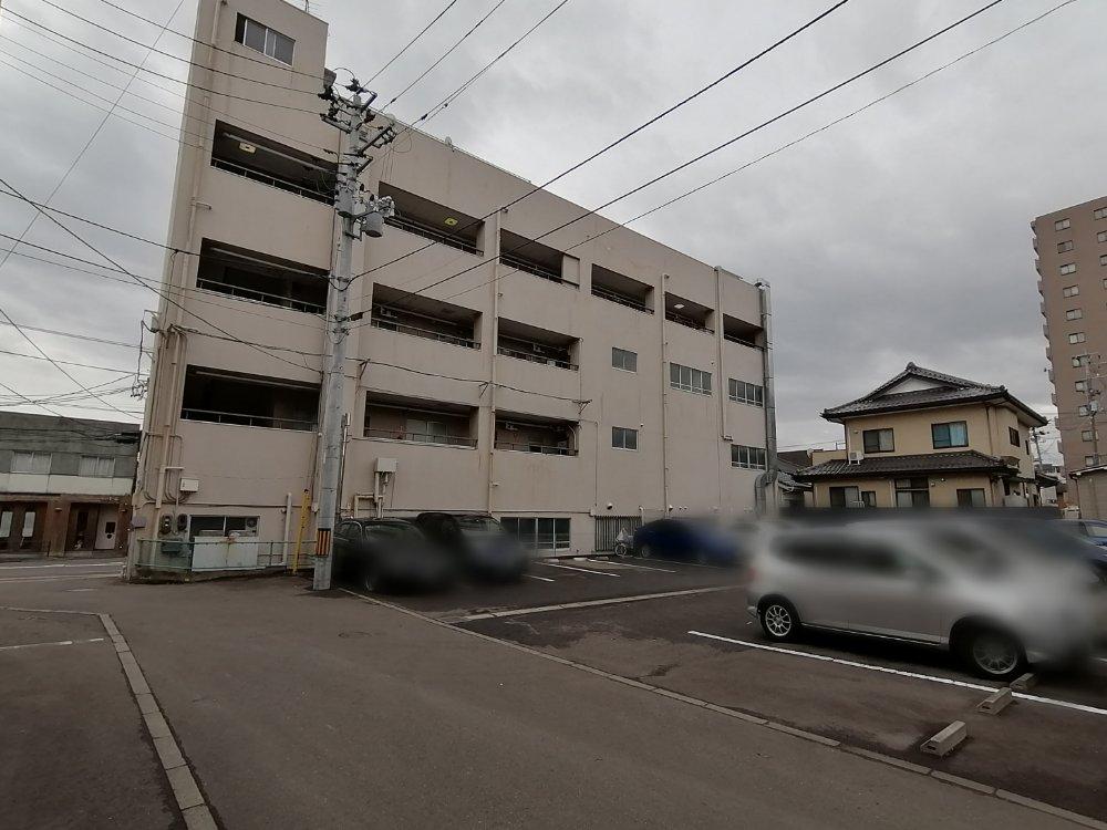 宮町の升沢ビル裏駐車場