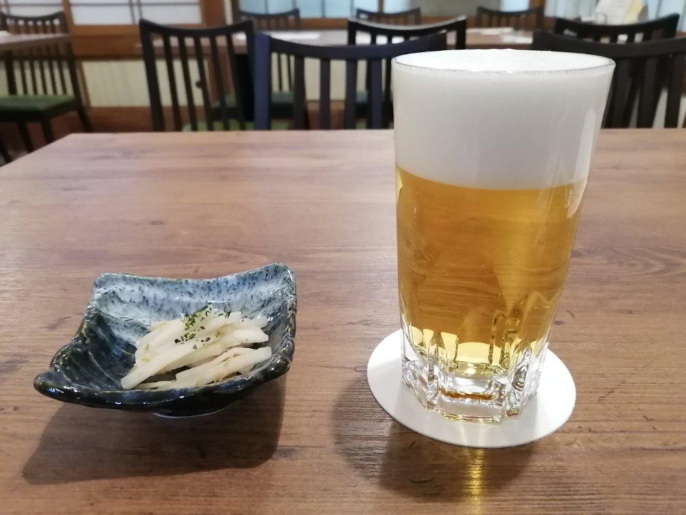 小鉢とビール