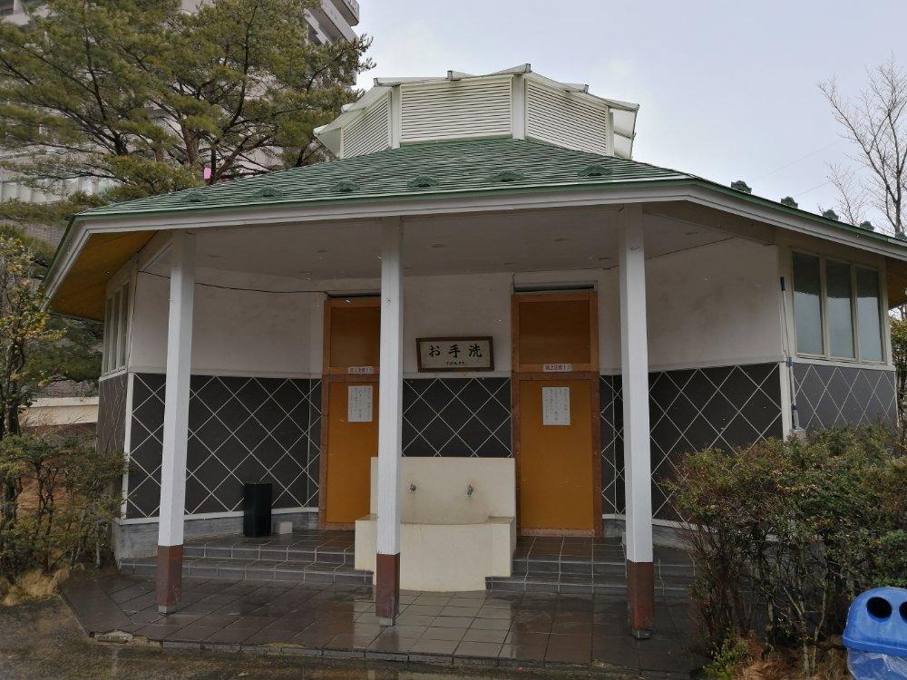 仙台大観音のトイレ