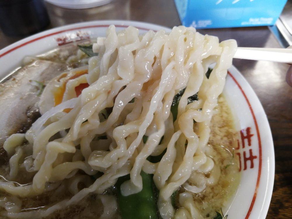 太平楽六丁の目店の太麺