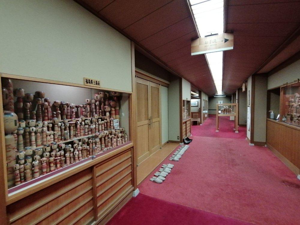鳴子ホテルのこけしギャラリー