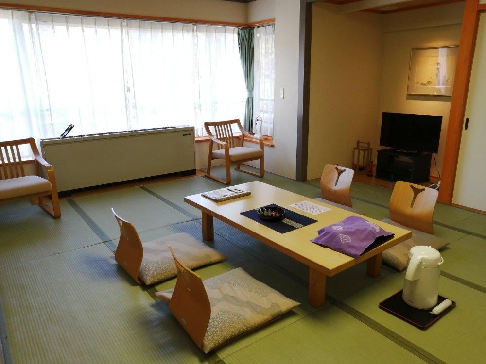 鳴子ホテルの部屋