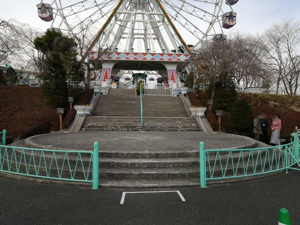 八木山ベニーランドのステージ