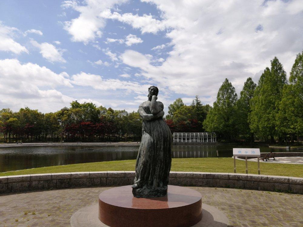 七北田公園の女神像