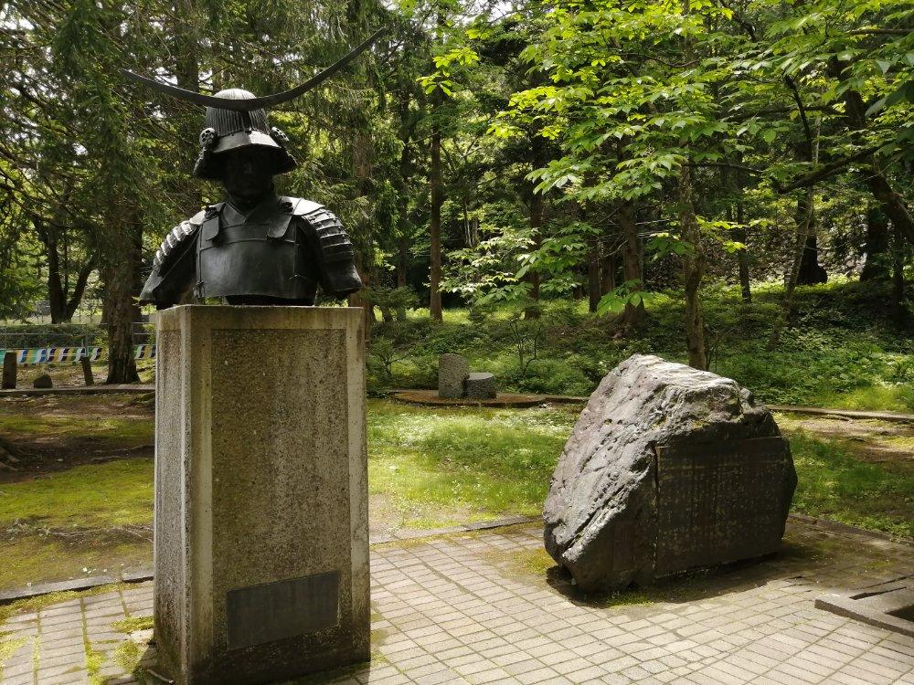 仙台市博物館裏の伊達政宗像