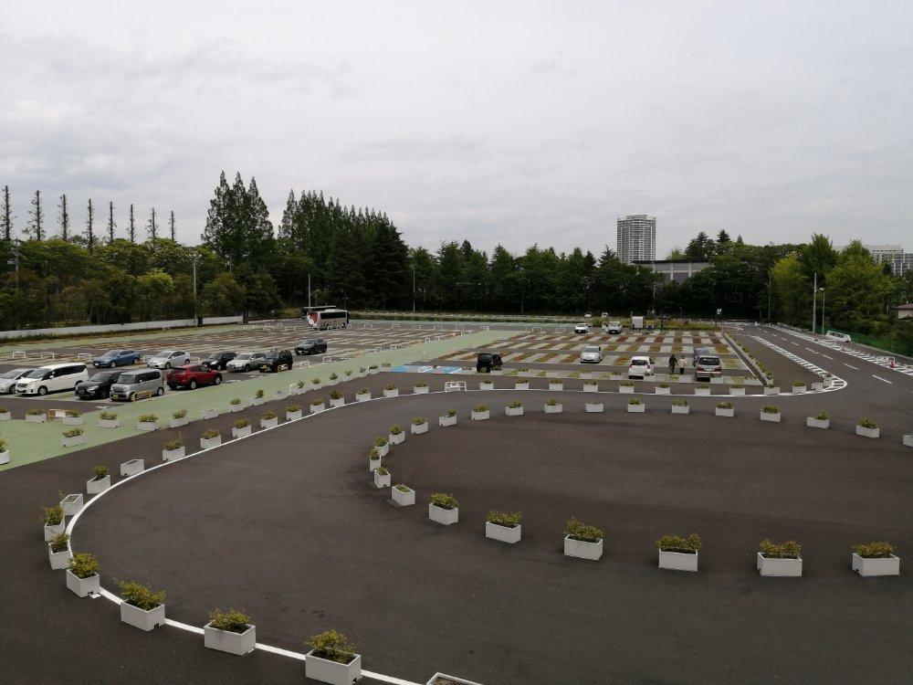 仙台国際センター駅の駐車場