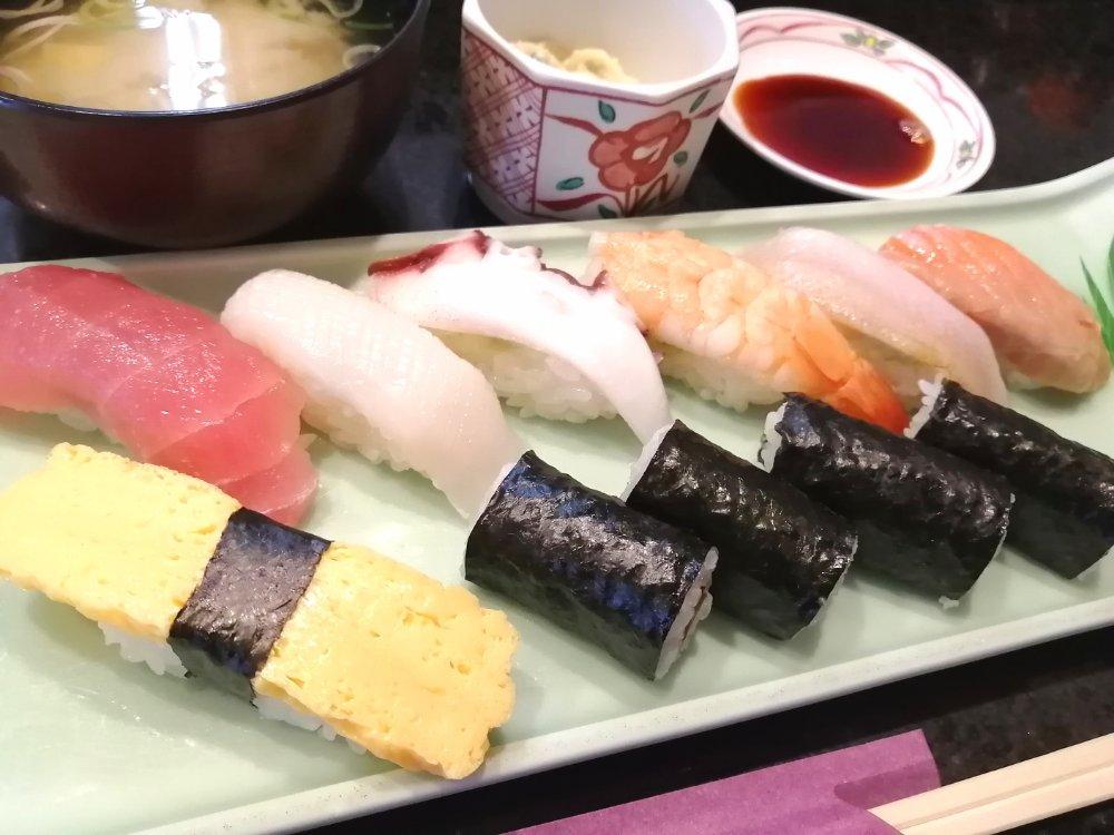 力寿司のランチ