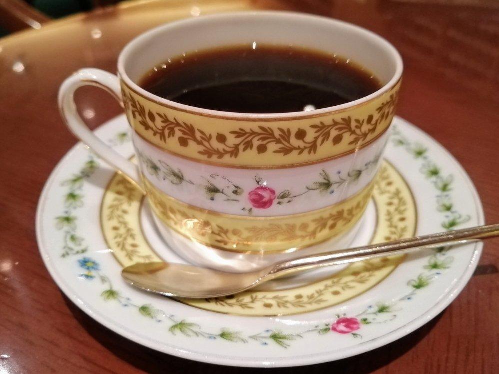 ロワイヤル・リモージュのカップ