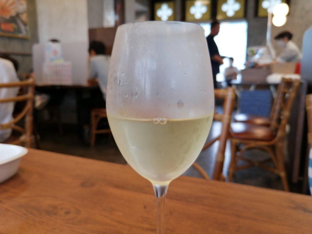 ジョリーパスタの白ワイン
