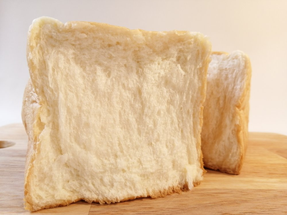 ちぎったラパンの食パン
