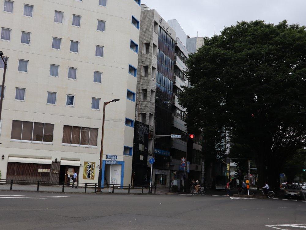 駅前尾通りと定禅寺通りの交差点