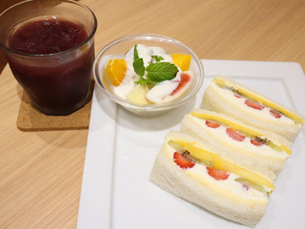 ITAGAKI FRUIT CAFE フルーツサンドセット