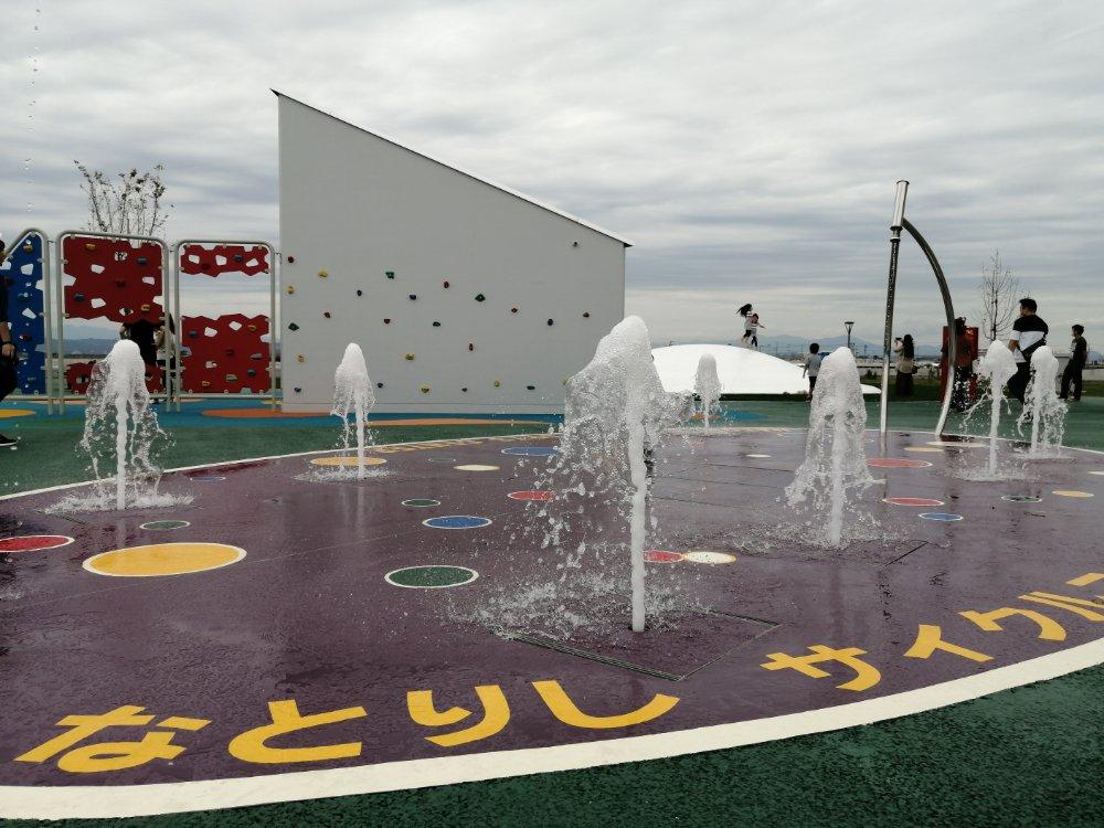 名取市サイクルスポーツセンターの噴水